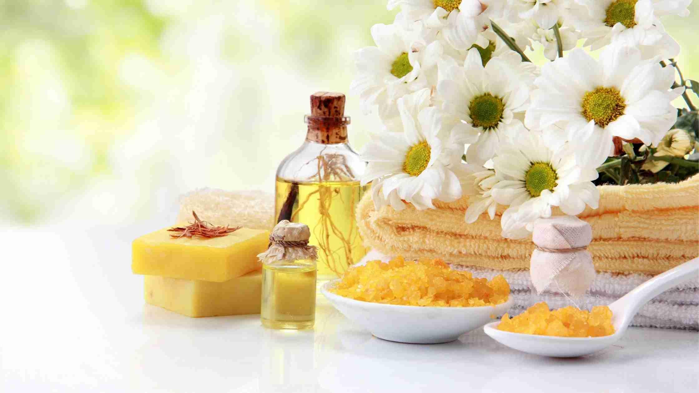 Mineralna olja v kozmetiki – alternativa je naravna kozmetika